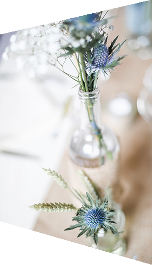 Decorate the wedding table